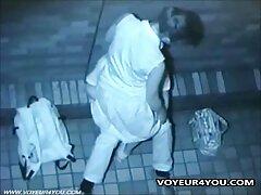 امرأة سمراء يلهون على تحميل سكسي اجنبي الكاميرا