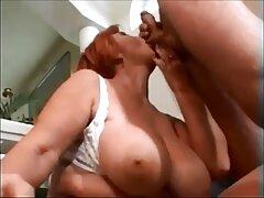 امرأة سمراء تتمتع اللعب أمام موقع افلام سكسي اجنبي كاميرا ويب